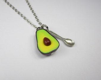 Avocado Necklace Food jewelry food necklace polymer clay, vegan necklace vegan jewelry, avocado half avocado jewelry, friend gift, guacamole