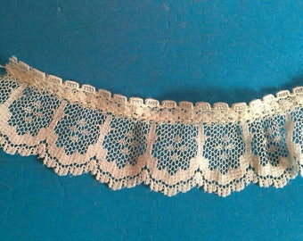 Ruffled White Lace Sewing Trim 4 Yards by 1 Inches Wide L0655