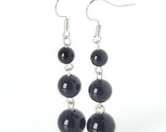 Beautiful pair of shiny onyx earring