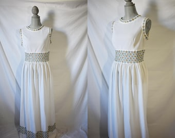 Vintage 70s White Floral Day Dress Everyday Summer Sundress Maxi House Dress Sleeveless Housewife Dress Hippie Festival Boho Dress