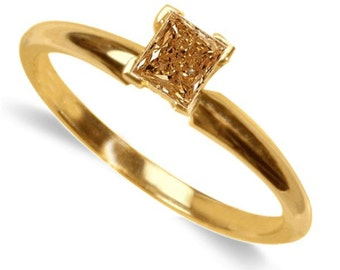 champagne diamond solitaire ring  14k yellow gold