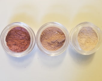 Mineral powdered eyeshadow