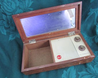 Vintage 6 Transistor S A Radio Dresser Box, Japan