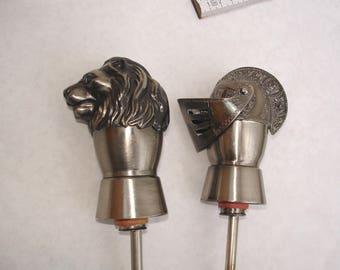 2 Bottle Outpourers-Ritter Head & Leo/Auto Jigger _ Knight Helmet