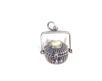 Small Nantucket basket pendant, with stone