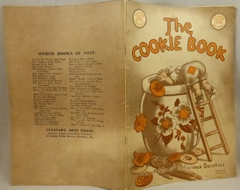 Vintage Culinary Arts The Cookie Book compiled by Nellie Watts