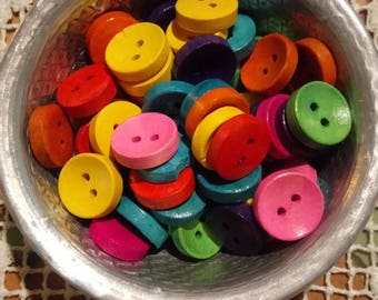 5 buttons round colorful wood