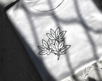 Minimalistic floral hand embroidered tee, Gray women's loose fit t shirt, Christmas gift ideas, gift for her, Botanical embroidery t-shirt