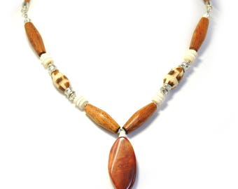 Necklace w/Big Natural  Gemstone Agate Pendant & Ostrich Eggshell