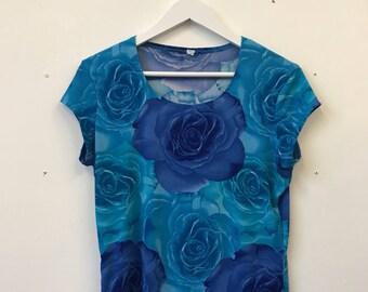 Amazing Vintage 90s 00s Y2K Raver Hipster Grunge Blue Flower Print Top Tee