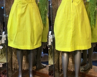 1990' yellow tiny polka dots cotton hoop skirt, two pockets. Size XS.