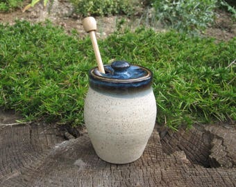 Honey Pot, Speckled White with Varigated Blue Lid Accent