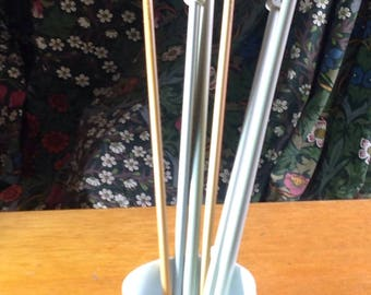 Vintage two pairs of plastic knitting needles / pins  sizes 6 1/2 mm 00 and one pair of JMRA wood/bamboo knitting needles / pins size 6 mm