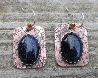 Indianische inspirierte blau Goldstone gemischt Metall Ohrringe