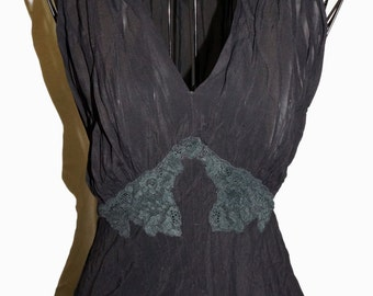 1940s Womens Crepe Nightgown Sz 6 Pinup Vintage WWII
