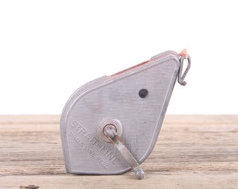 Vintage Chalk Line / Straight Line / Old Tools Vintage Tool / Garage Decor / Shop Decorations / Industrial Prop / Rusted Antique Tools