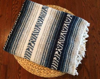 vintage Mexican Falsa blanket / beach blanket / campfires / cabin