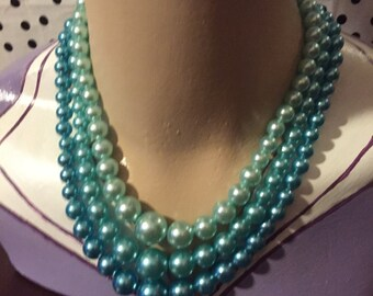 Jewellery blue multistrand faux pearl necklace in excellent vintage condition