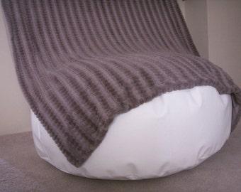 Newborn Posing Pillow  (newborn photography posing)