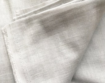 japanese fabric. solid cotton double gauze. 108cm (42.5in) wide. sold by 50cm (19in) long / half yard. light gray