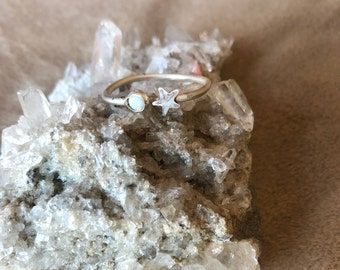 Sterling Silver Star and moonstone or opal ring