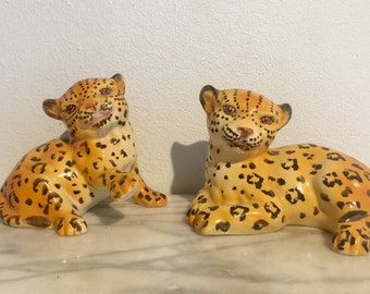 Mid Century Pair of Mottahedeh Leopard Cats Figurines Italian Art Pottery