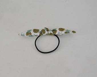 Elastic for pineapple print hair bow