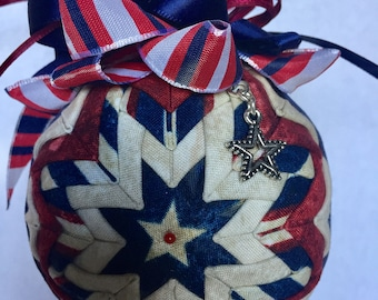 Quilted patriotic ornament