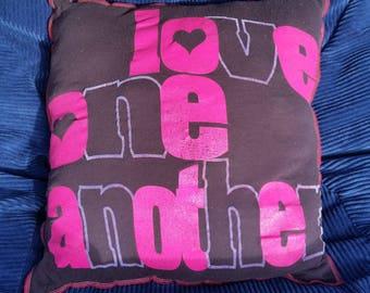 Liebe ein eine weitere Upcycled Safe-Sex Kissen, w / Kondom & Lube Taschen, OOAK, schwarz, Pink, lila, Pflege, goldene Regel