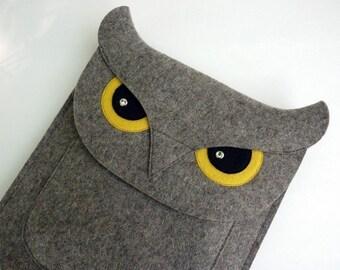 iPad sleeve - Owl in natural grey designer felt