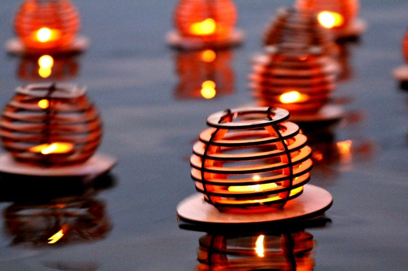 Waterlilies, Floating Tea light Lanterns. Dancing lights across the water!