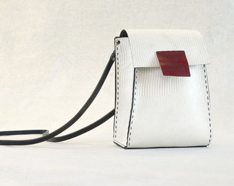 NEW - PORTEL TRAVEL Purse White and Red