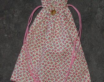 Miniature Roses Drawstring Bag