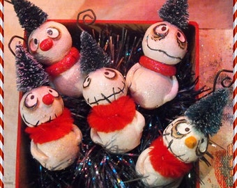 OOAK litter of Grimmy mini snowman ornament set with gift box made to order