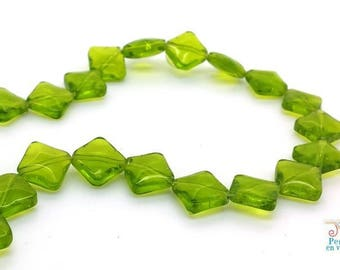 10 10mm transparent green (pv726) square glass beads