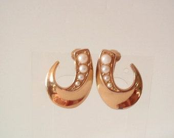 Trifari Vintage Earrings, 1970's, Faux Pearls, Gold Plated