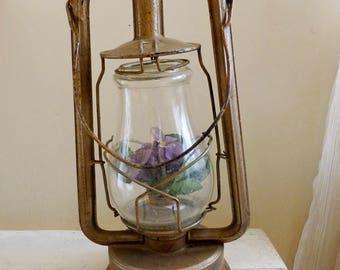 Vintage Dietz lantern, campling lantern, kerosine lamp, oil lamp, Dietz America Lantern, vintage light, rustic decor, woodland decor