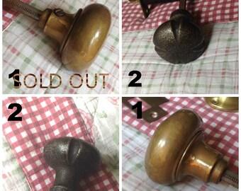 vintage metal door knobs,old metal door knobs,brass door knobs,antique brass door knobs