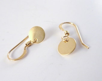 Dainty Gold Earrings, Tiny Gold Earrings, Small Gold Earrings, Gold Circle Earrings, Gold Disc Earrings, Minimalist Earrings, Casual Earring