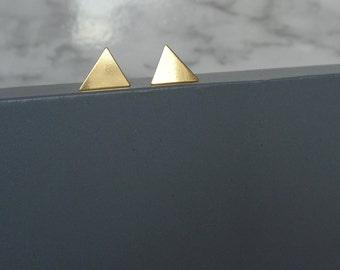 Gold Triangle Studs. Vermeil Stud Earrings. 24k Gold Trangle Stds. Minimalist Gold Studs. Minimalist Gold Earrings.