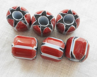 Lot or 10 large blue, white and red striped chevron glass Beads 9 x 10mm  C0501