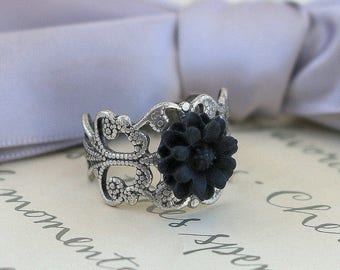 Black or Cream Flower ring in your choice of two styles
