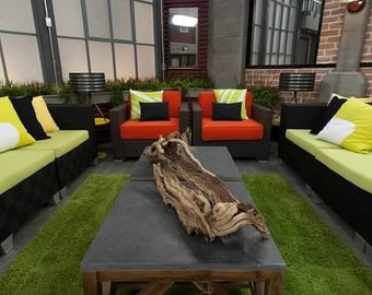 8' x 10' Synthetic Grass Rug