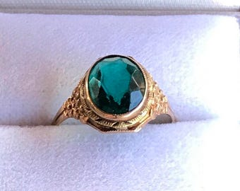 Vintage 10k gold ring forget me not flowers and glass.