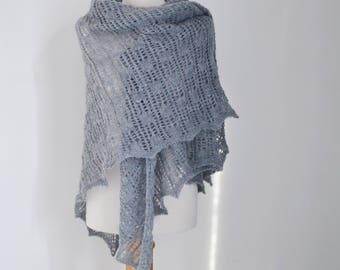 Lace knitted shawl, gray,  R617