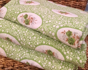 Vintage Cameo Fabric - Green Cotton 1950s - New Old Stock  - Yardage