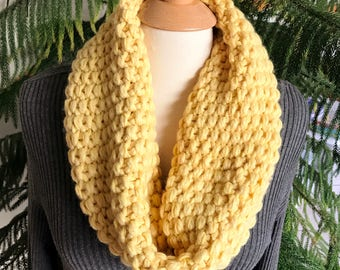 Soft Yellow Baby Alpaca Chunky Cowl, Yellow Neckwarmer, Seed Stitch Cowl, Yellow Scarf, Daffodil, Cold Weather Cowl, Alpaca Infinity Scarf