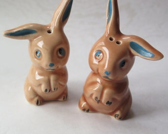 1940s Easter Bunny Rabbit Figurine Ceramic Pair Salt Pepper Shakers Vintage Easter Figures Pottery Retro Bunny Decor