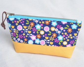 Handmade Makeup Bag, Cosmetic Bag, Zippered Pouch, Gadget Bag (size small)