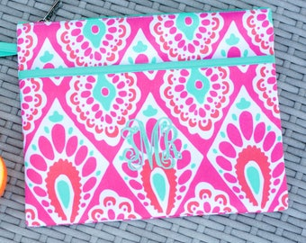 Personalized Zipper Pouch, Zip Pouch Wristlet, Monogrammed Makeup Bag, Bridesmaid Gift, Wedding Party Gift, Monogram Wristlet,  Cosmetic Bag